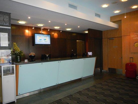 Novotel Wellington : Reception area.