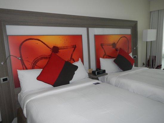 Novotel Wellington : Room with two queens.