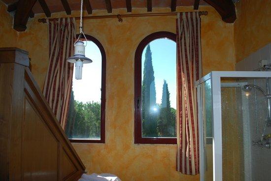 La Bandita Hotel Siena: Ventanal baño