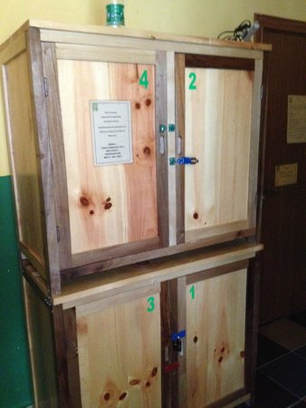 Lost Garden Guesthouse: Very large lockers