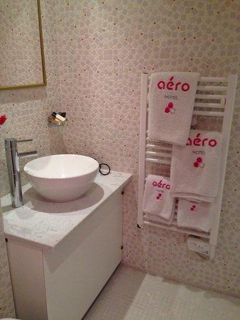 Aero Hotel: Bagno! ❤️