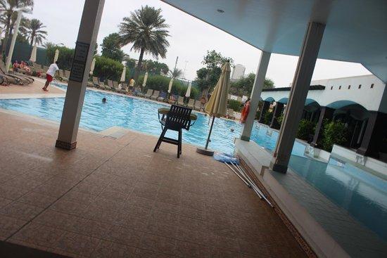 Hilton Fujairah Resort: swimming pool