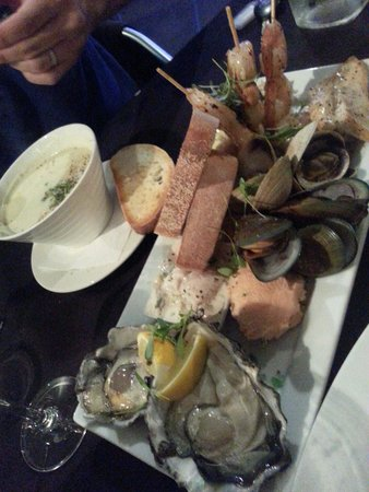 Alfresco's Restaurant and Bar : Seafood platter to share