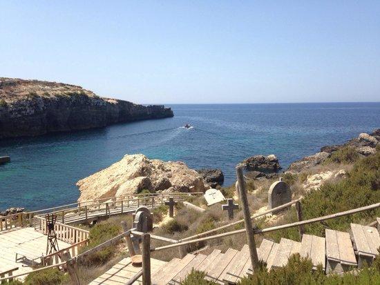 Popeye Village Malta: Даже есть кладбище