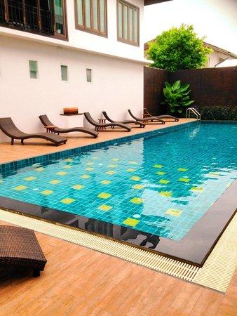 Le Patta: New Renovated Pool