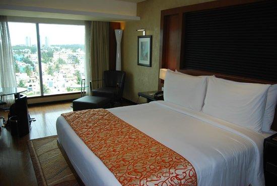 Movenpick Hotel & Spa Bangalore: Habitación