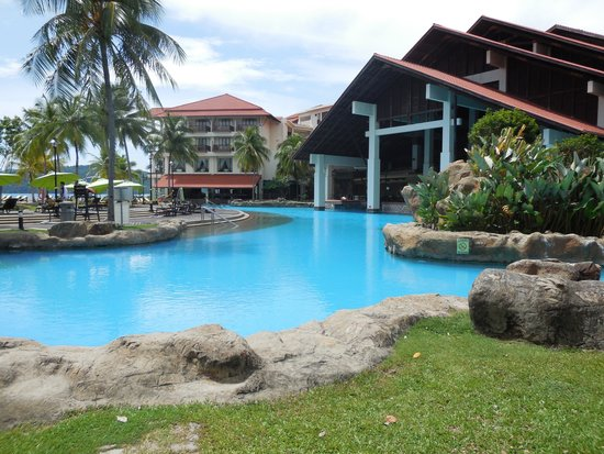 Sutera Harbour Resort (The Pacific Sutera & The Magellan Sutera) : Lagoon Pool