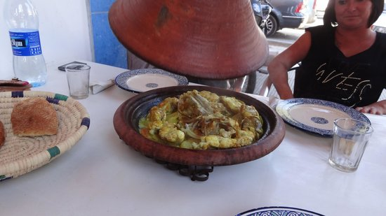Chez hosni : Tajine de Lottes sauce safrané