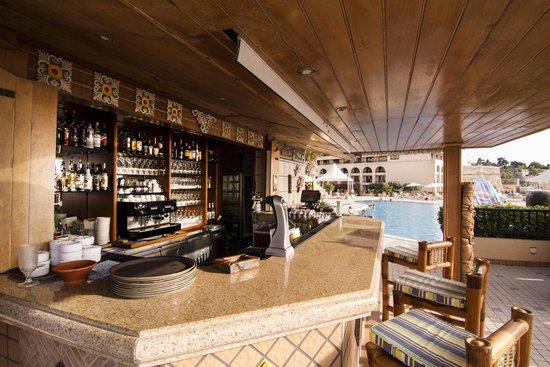 Excelsior Grand Hotel: Tiki Restaurant - Outdoor Venue