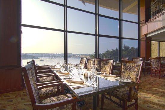 Excelsior Grand Hotel: Admirals Landing Restaurant