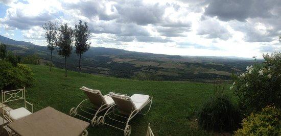 Castello di Velona Resort, Thermal Spa & Winery: Spa deluxe room view...