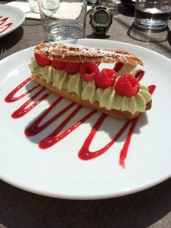 Tokyo Eat: Éclair pistache framboise