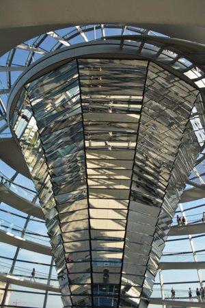 Plenarbereich Reichstagsgebäude: Inside the Dome