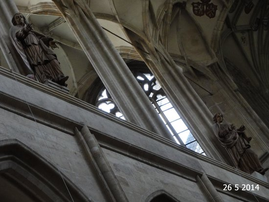 Cathedral of St. Barbara: Two of the virtue statues