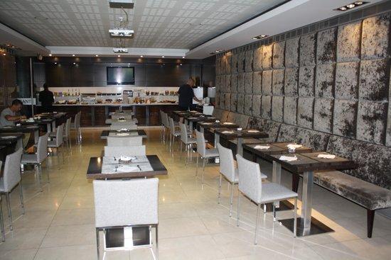 Hotel Zenit Pamplona : desayunos