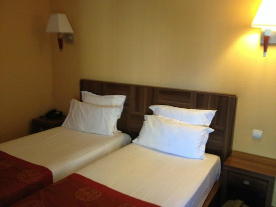 Hotel Capitole : Room