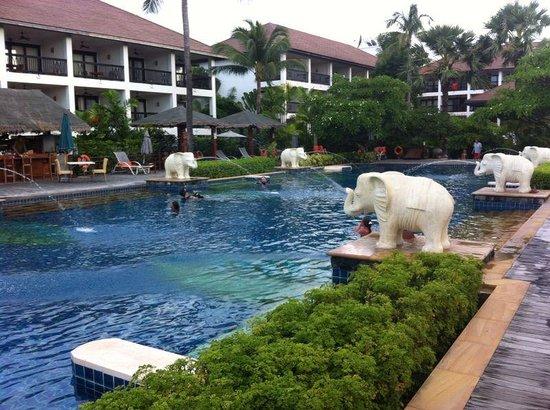 Bandara Resort & Spa: piscina
