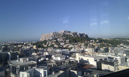 Astor Hotel Athens: Vista da sala colazione