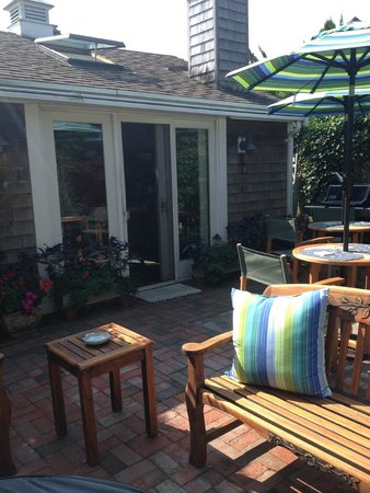 Revere Guest House: outdoor sitting area