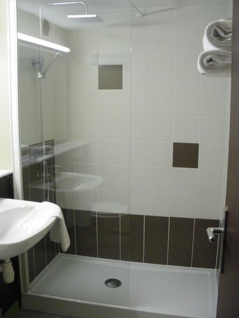 Hôtel balladins Dieppe : salle de bain