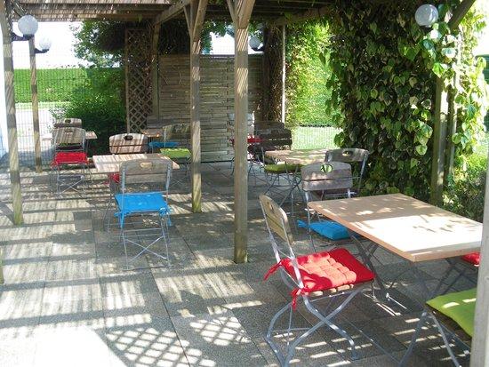 Hôtel balladins Dieppe : terrasse