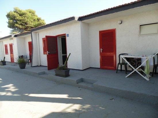 Hotel Fontane Bianche Beach Club: la mia camera giardino con doppio ingresso