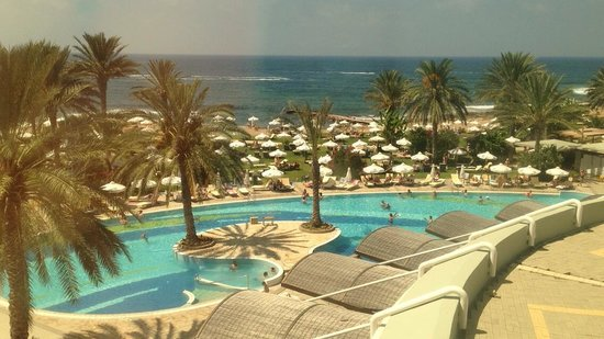Constantinou Bros Athena Beach Hotel: View from the third floor