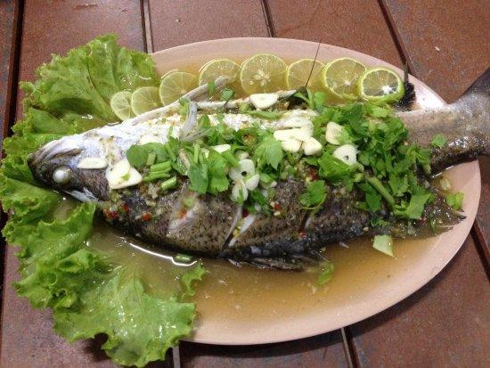 ครัว ป.ปลา: ปลากระพงนึ่งมะนาว
