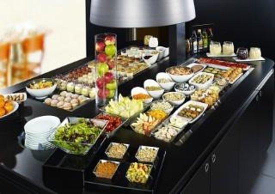 Campanile Lyon Est Bron Eurexpo : Le Buffet