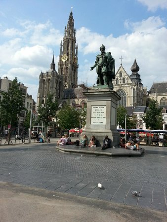 Radisson Blu Astrid Hotel, Antwerp: Cathedral to left of Rubens statue
