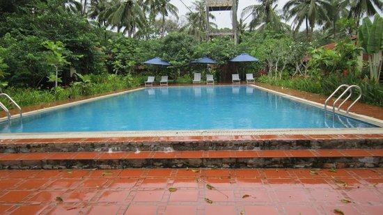 Langchia Village Resort: piscina
