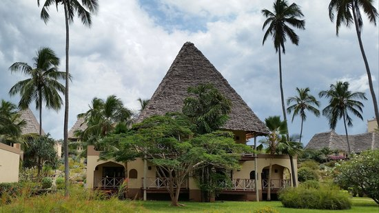 Neptune Pwani Beach Resort & Spa : the rooms (4 ground floor and 2 first floor)