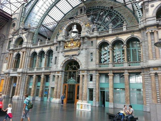 Radisson Blu Astrid Hotel, Antwerp : Antwerp Station facade