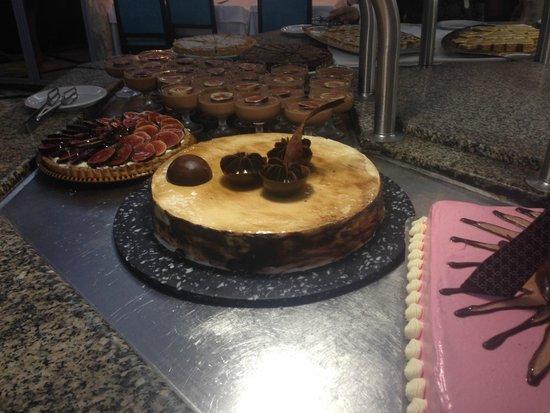 Riadh Palms Hotel : Food