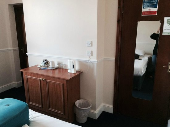 The Shurland Hotel: Room
