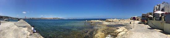 Club Salina Wharf : seafront