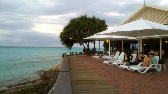 Heron Island Resort: Perfect spot to see sunset and whales
