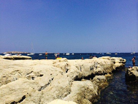 Club Salina Wharf : Local Seafront