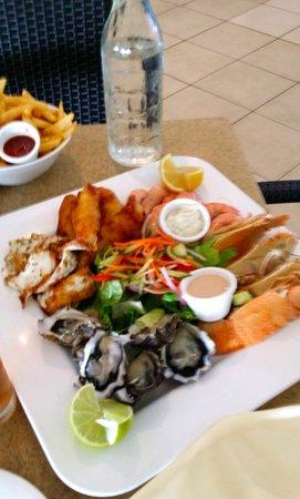 Heron Island Resort: Seafood platter for two