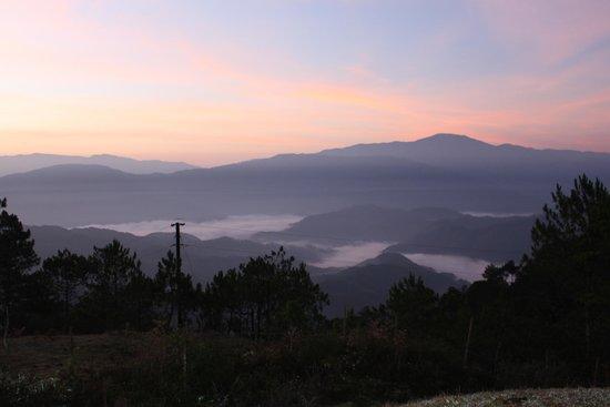 Mt Ampacao: Sunrise View at Mt. Ampacao