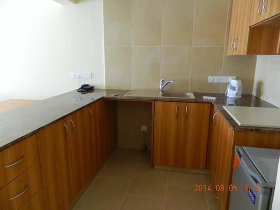 Pafiana Heights Hotel - Apts: кухня