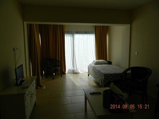 Pafiana Heights Hotel - Apts: гостинная