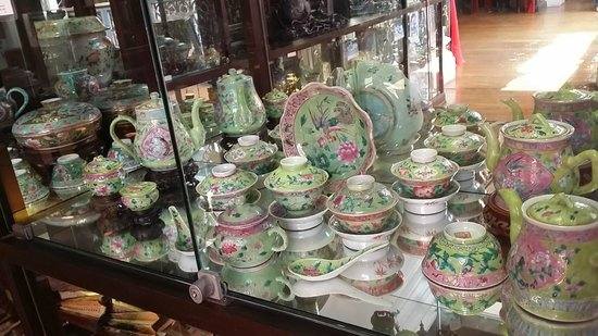 Museo Pinang Peranakan: Peranakan crockery
