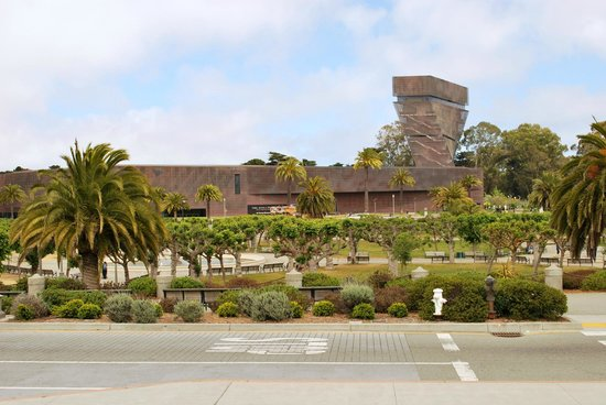 Golden Gate National Recreation Area : The d'Young museum