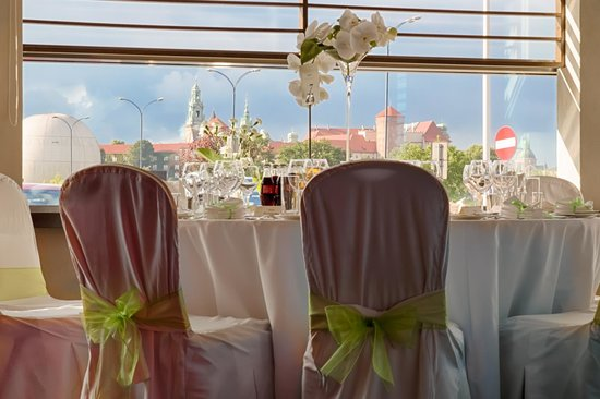 Hilton Garden Inn Hotel Krakow: Wedding table