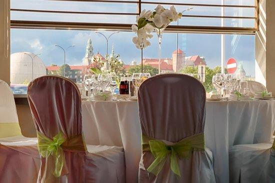 Hilton Garden Inn Hotel Krakow: Wedding table