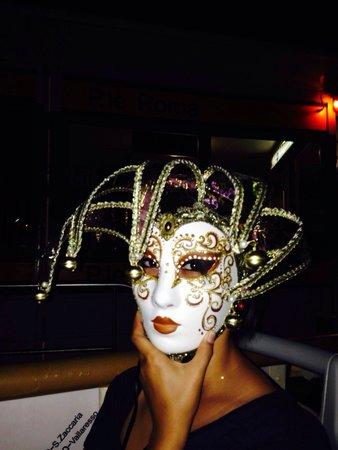 BEST WESTERN Premier Hotel Sant' Elena: Карнавальные маски - изумительное творение венецианских мастеров;)