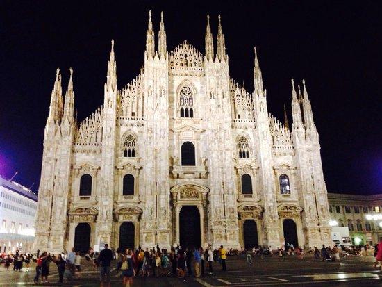 Michelangelo Hotel: Величественный собор эль Дуомо