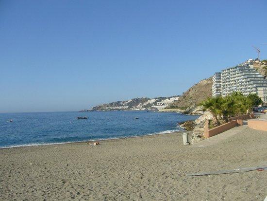 Almuñecar Playa Spa Hotel: playa de San Cristobal