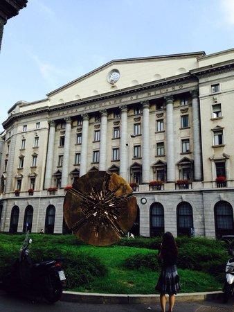 Michelangelo Hotel: Гуляя по городу)